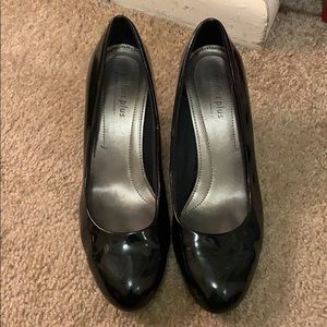 Black patent leather almond toe heels